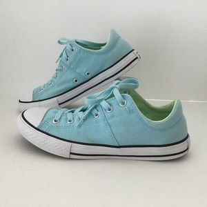 CONVERSE LOW TOPS SIZE 5 BLUE